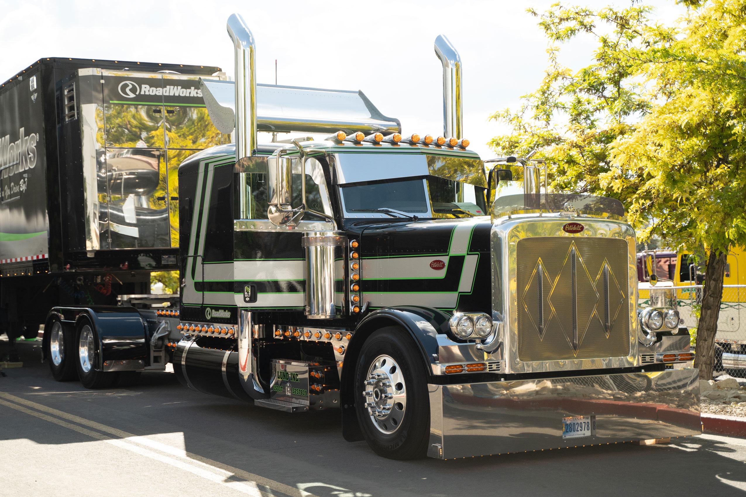 Lucky 13 - RoadWorks 2019 Show Truck
